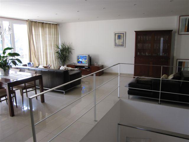 Недвижимость в Барселоне-дом
